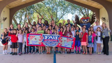 FAU football visits Verde Elementary as part of community outreach