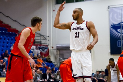 Former basketball player Justin Raffington signs professional contract