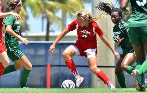 Women's Soccer: Geovana Alves, Taylor Townsend lead way in weekend sweep