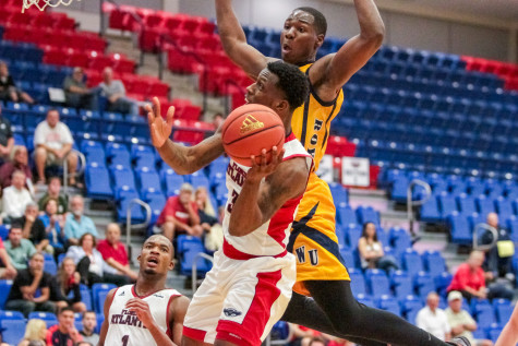 Men's Basketball: Owls drop two-of-three in 2015 Men Against Breast Cancer Challenge