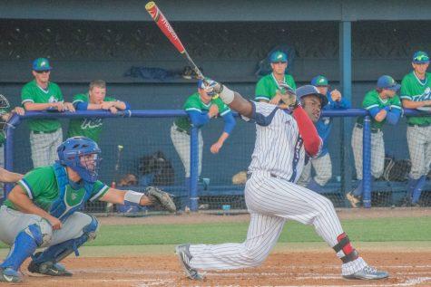 Baseball: Owls drop game against UCF