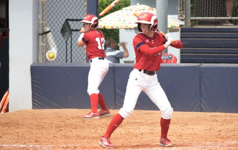 Softball: Owls sweep FIU, remain atop Conference USA standings