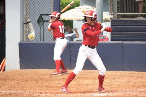 Softball: Owls sweep FIU, remain atop Conference USA standings