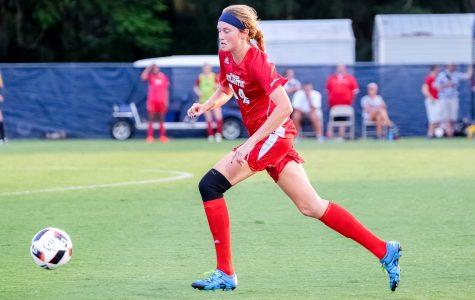 Women's soccer: Owls split pair of weekend games