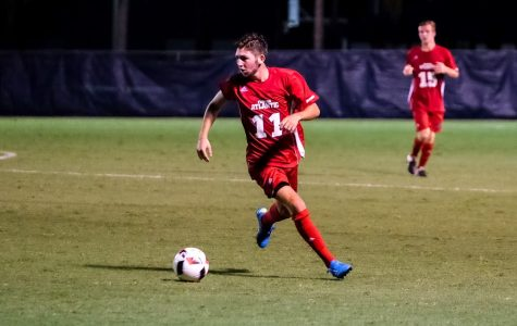 Men's Soccer: Owls let late goal slip by in loss to South Carolina