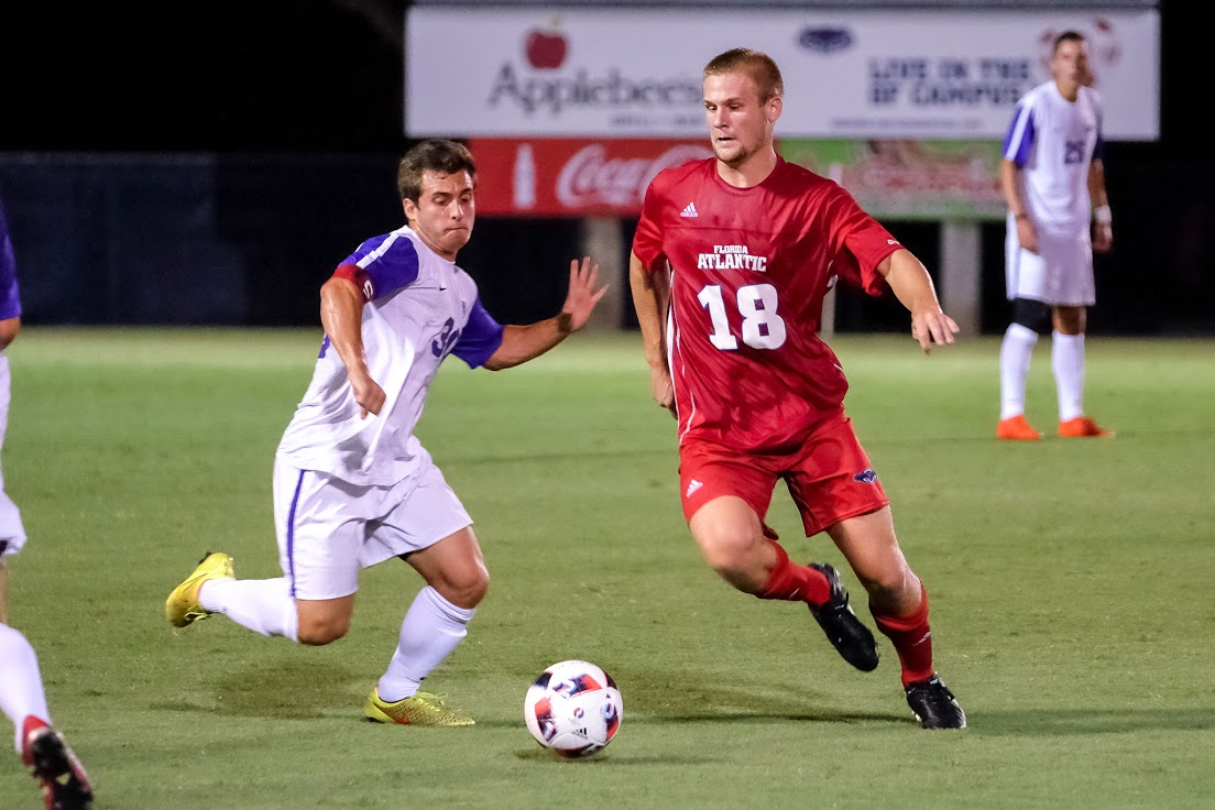 Junior forward Dylan Huber recorded a shot-on-goal in the Owls win over New Mexico. Mohammed F. Emran | Staff Photographer