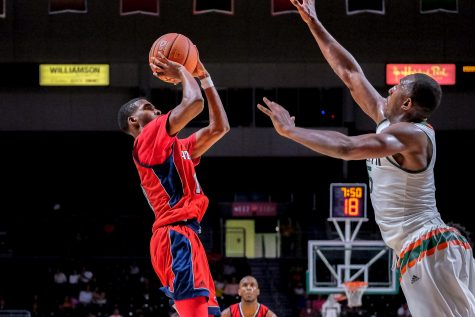 Men's basketball: inaccuracy from free-throw line costs FAU in San Antonio