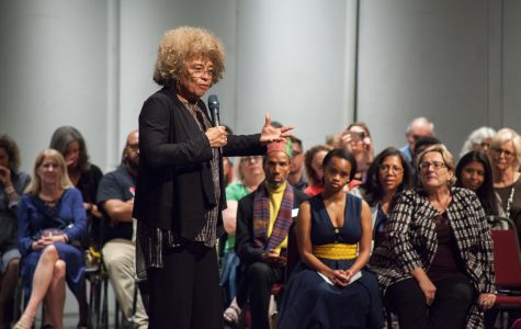 Civil rights activist Angela Davis speaks at Boca campus