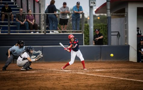 Softball: Owls pick up trio of wins in opening weekend tournament
