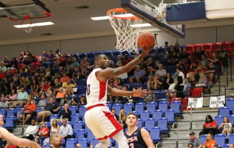 Men's basketball: FAU defeats UTSA, clinches conference tournament spot