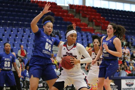 Lady Owls battle, but ultimately come up short in 68-65 loss to FIU