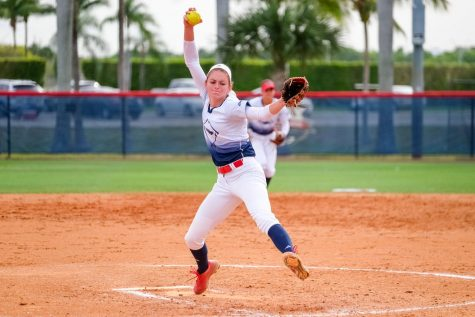 Softball: FAU loses Kylee Hanson to Florida State