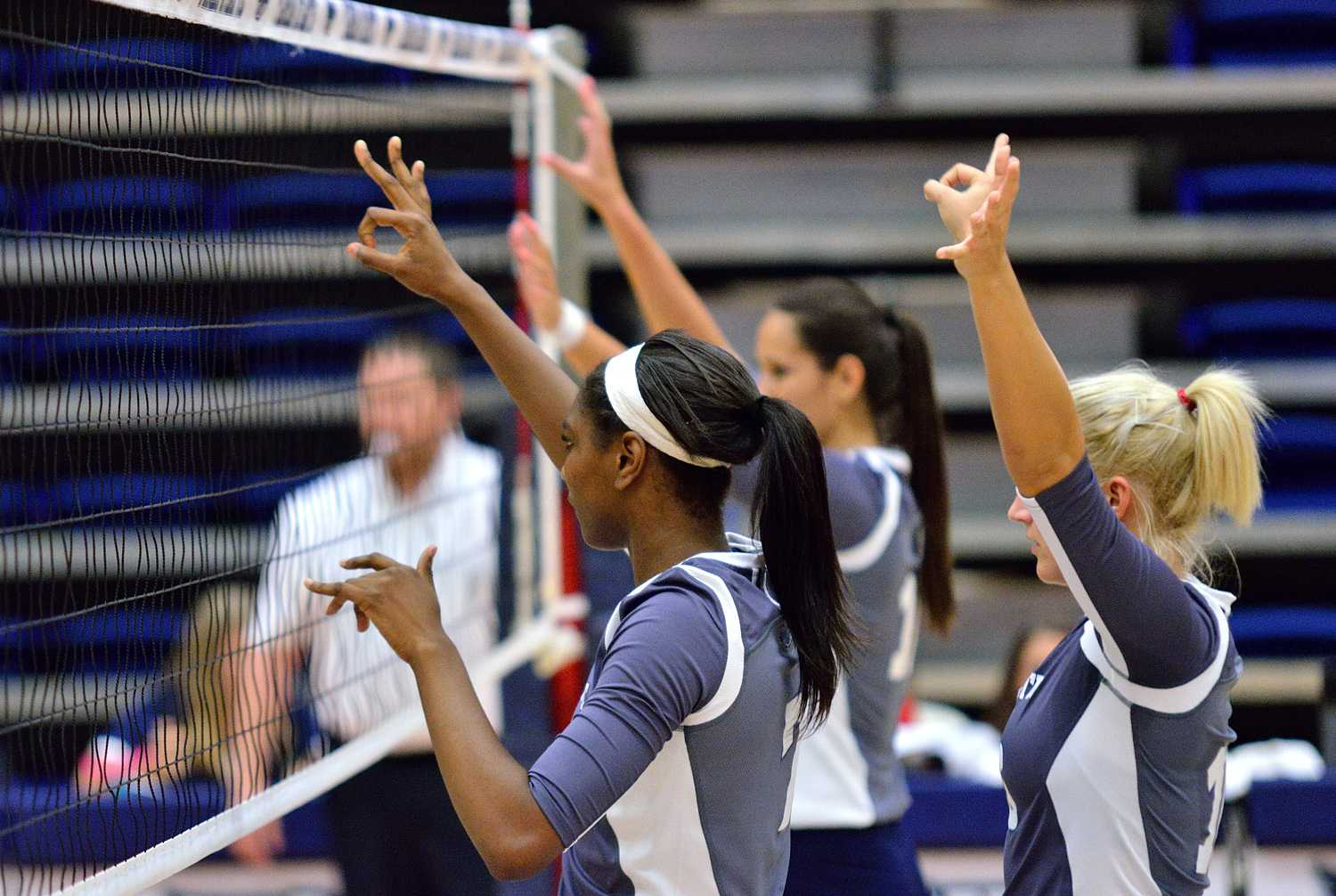 Owls players prepare for the next serve while they have possession against McNeese. Ryan Murphy | Business Manager