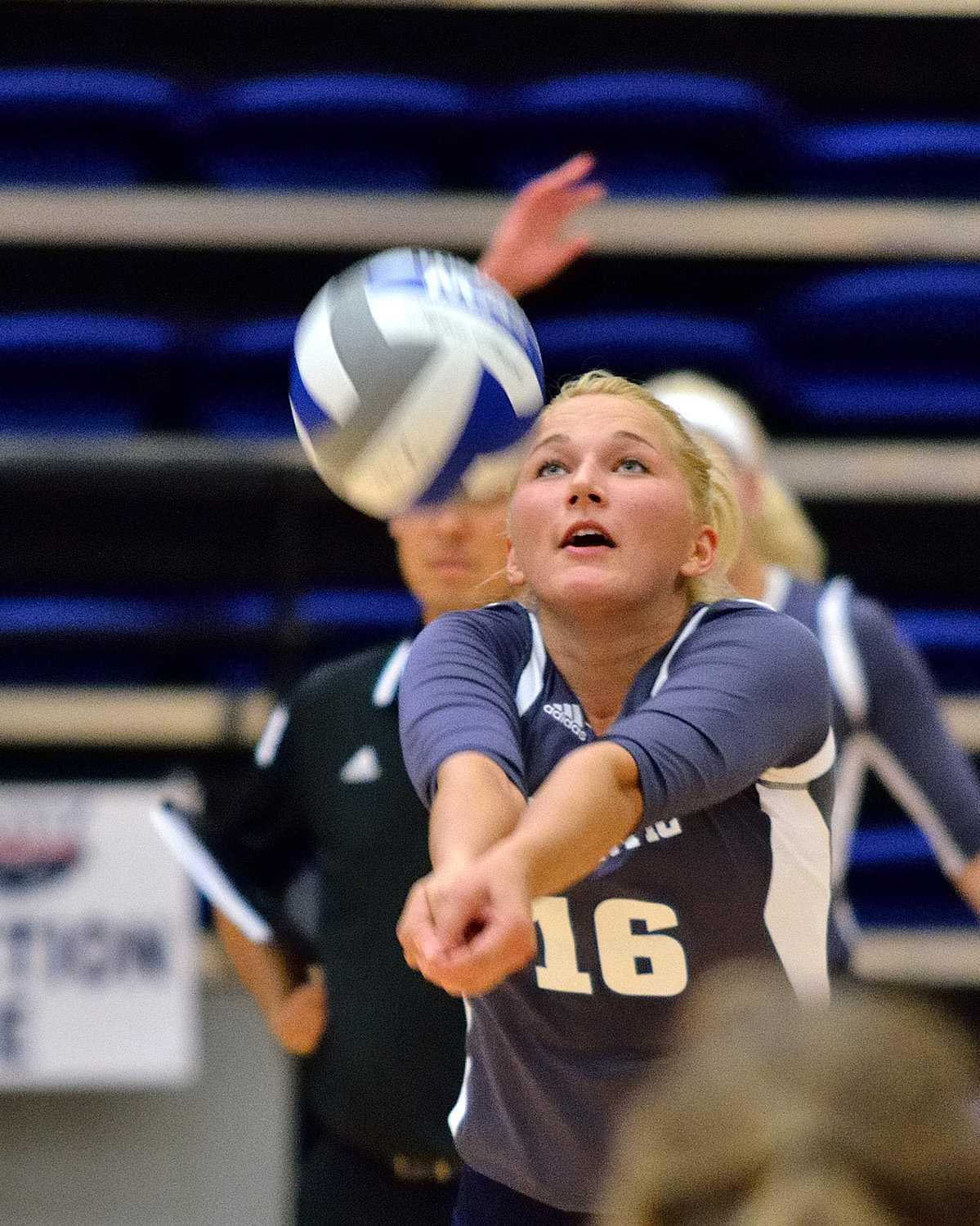 Liene Mellupe, Owls outside/right side hitter, bumping the ball to one of her teammates. Ryan Murphy | Business Manager
