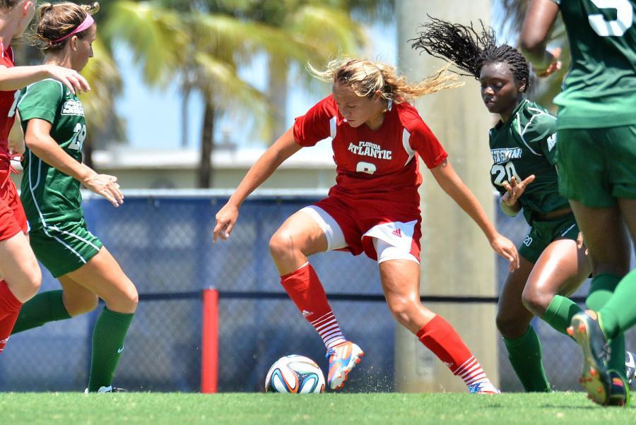 FAU+Women%27s+Soccer%2C+Claire+Emslie