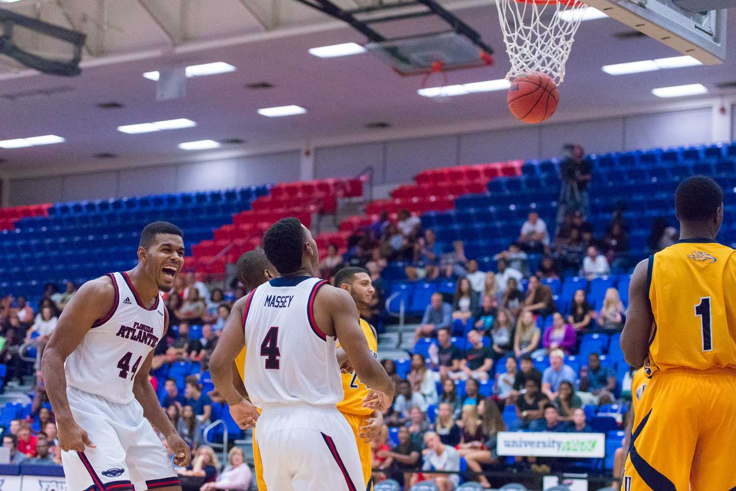 FAU v. Warner_MBB_NIKON D610_11-17-14_0966_Lightroom