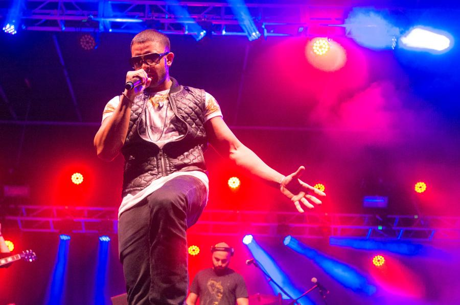"""Jay Sean performs many of his old hit songs such as """"Down"""" and """"Do You Remember."""" He also sang his newly released song """"Tears in the Ocean."""" [ Max Jackson   Photo Editor ]"""