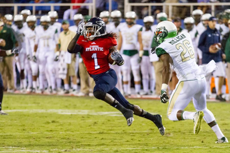 [ Mohammed F Emran | Web Editor ] Lucky Whitehead scored two touchdowns in the Owl' 31-28 loss to UAB on Nov. 1, 2014.