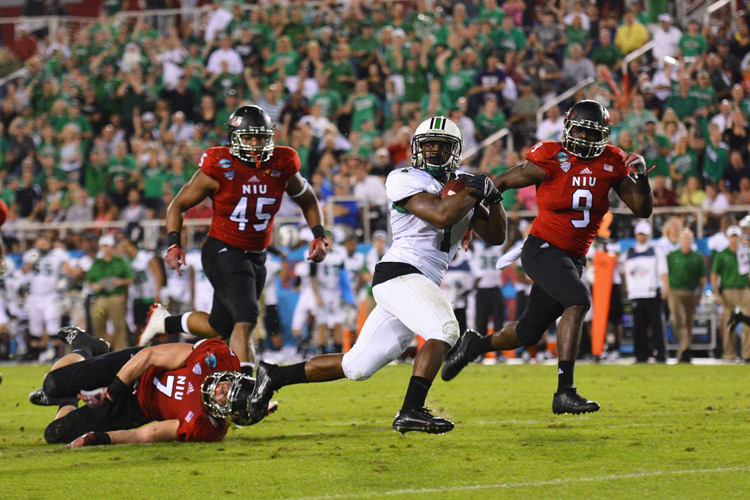 Marshall wide receiver Tommy Shuler led his team in catches (18) and in total receiving yards (189) as the Thundering Herd defeated Northern Illinois 52-23.