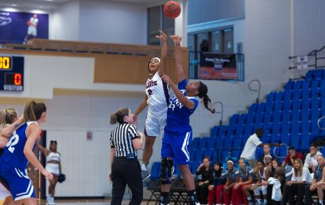 Owls 3-point shooting too much for Webber International in 111-76 win