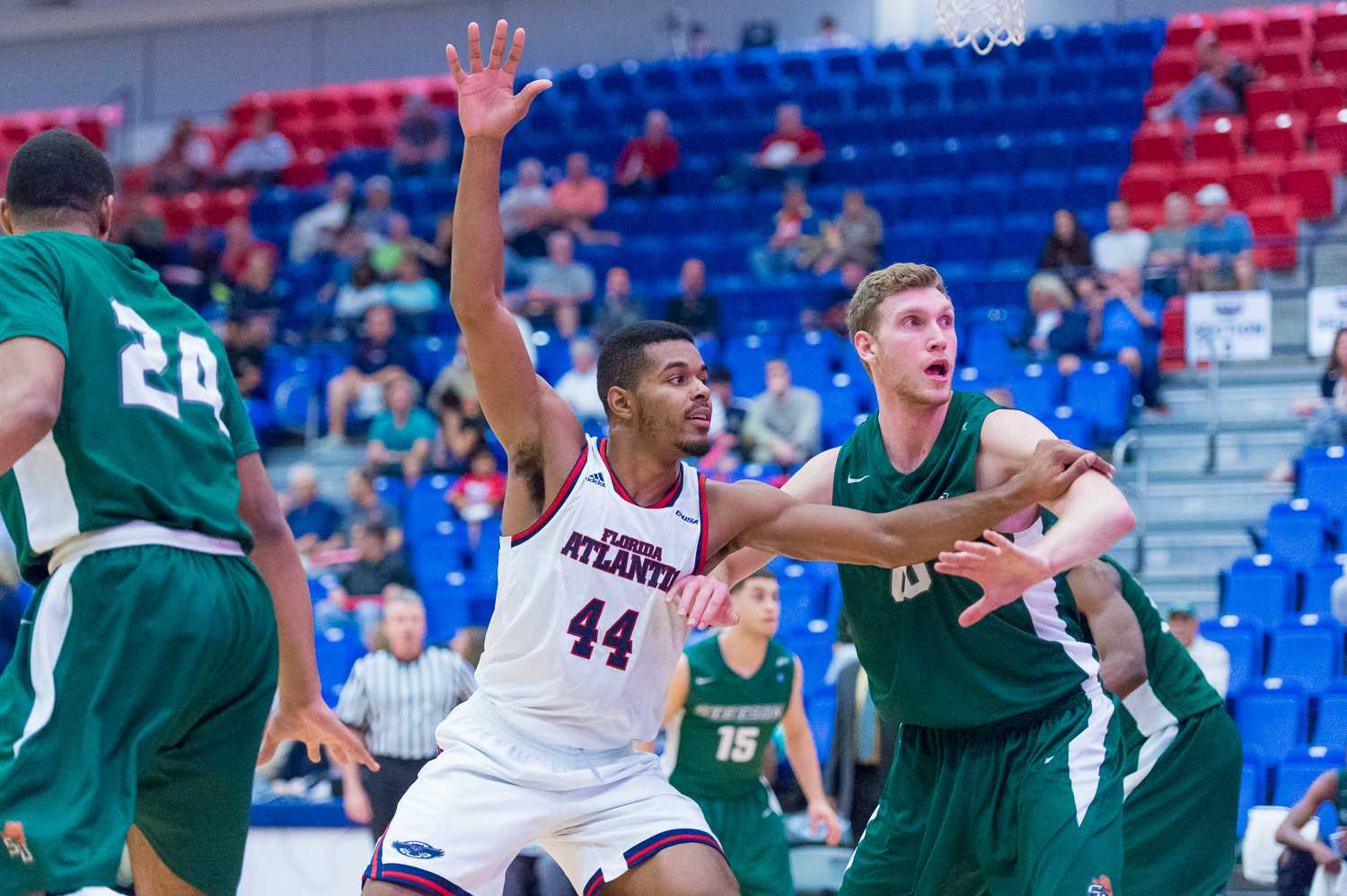 FAU forward Kelvin Penn calls for the ball under the basket.