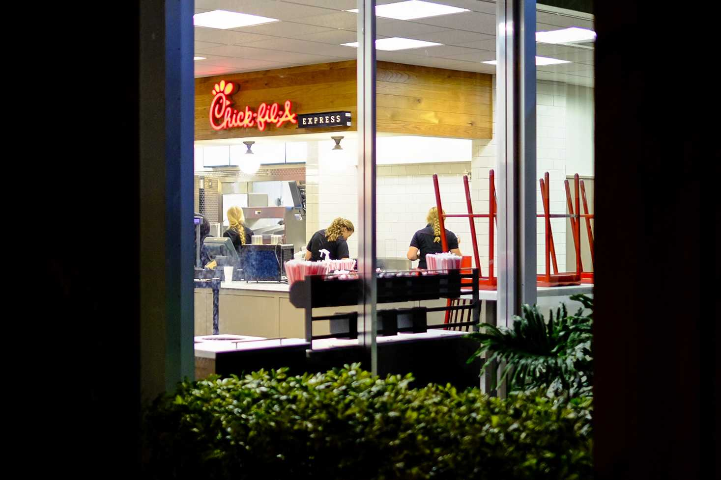FAU's newest dining establishment on campus, Chick-fil-A, closing after its grand opening that morning.