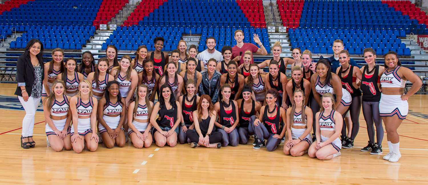 The FAU Dance & Cheer teams pose for a group photo at the end of the 2015 FAU Dance Team Showcase.