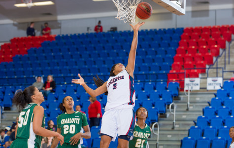 FAU guard Shaneese Bailey scored  10 points in the Owls' win over Charlotte on Jan. 29. Photo by Max Jackson