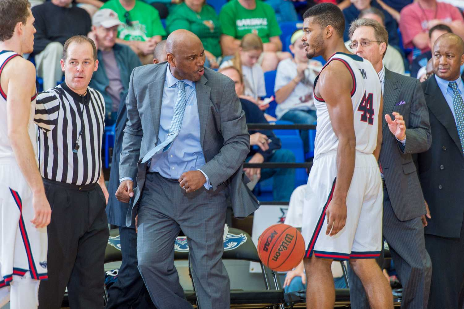 Head coach Michael Curry yells after a bad play late in the second half.
