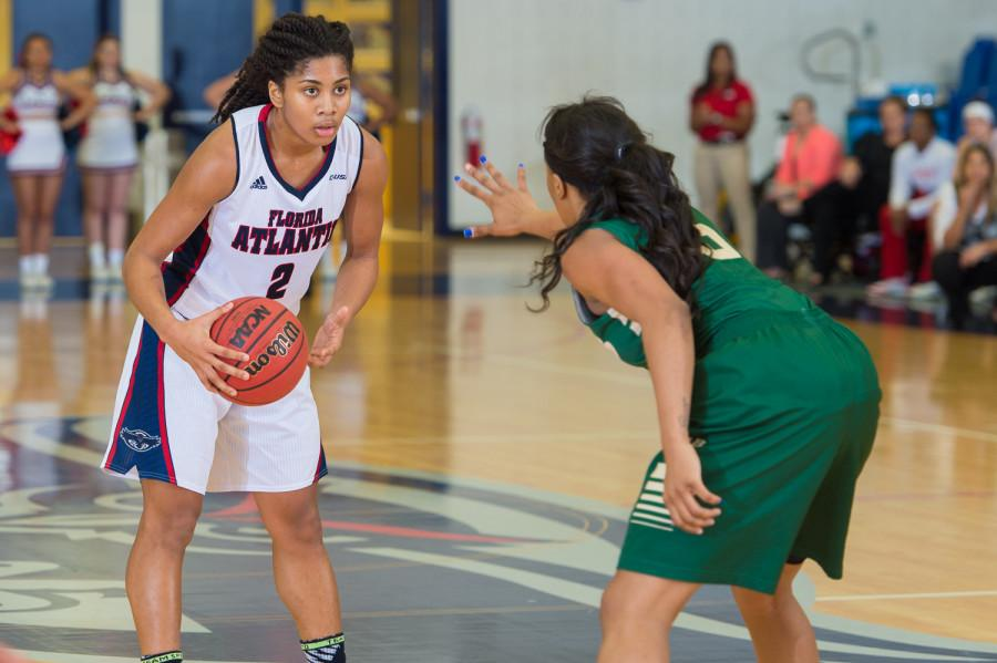 Shaneese+Bailey+scored+24+points+in+the+Owls%27+loss+to+Louisiana+Tech+on+Feb.+12.+Photo+by+Max+Jackson