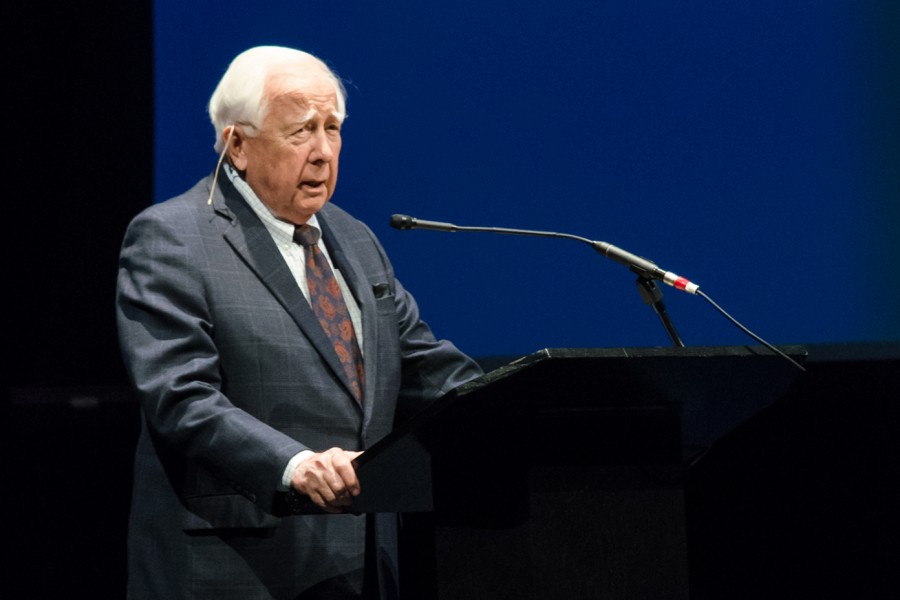 David McCullough takes the podium and prepares himself to address the audience before beginning his lecture on Feb. 18th at The Carole and Barry Kaye Performing Arts Auditorium. Tim Murphy | Assistant Photo Editor