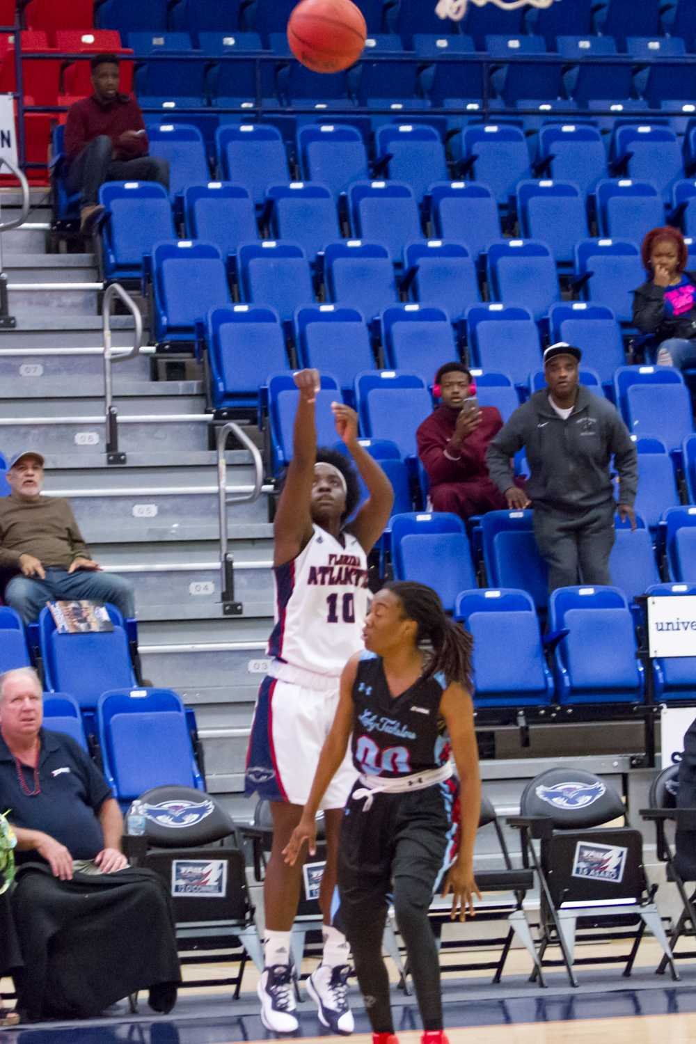 Junior guard Morgan Robinson (10) attempts a shot from downtown. She shot 2-of-4 in the Owls' loss to La. Tech on Feb. 12.