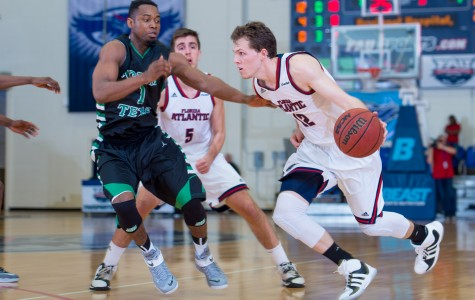 Jackson Trapp scored 10 points in the Owls' loss in Feb. 19. Photo by Max Jackson