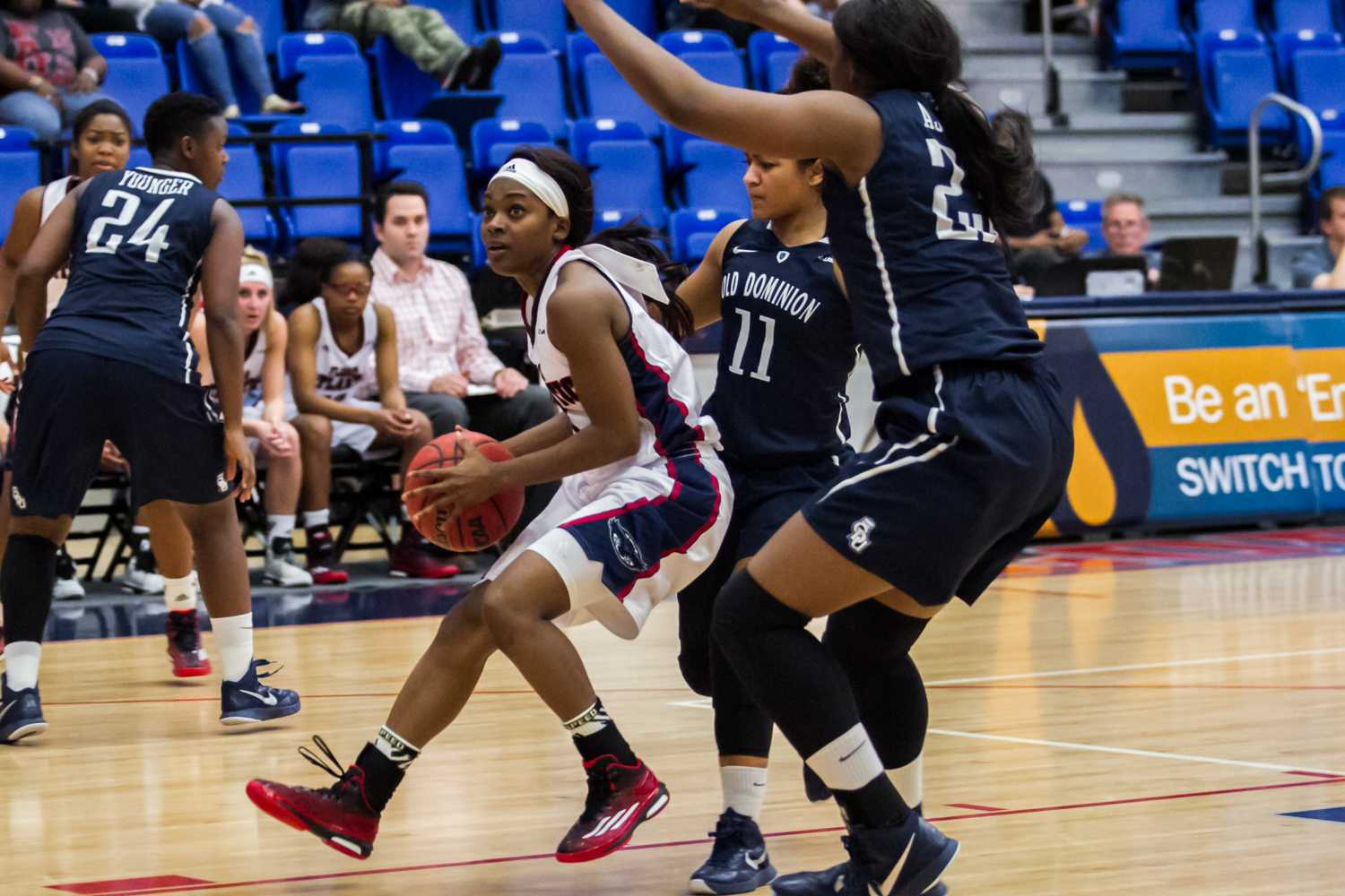 FAU guard Aaliyah Dotson comes to a stop before taking a shot.