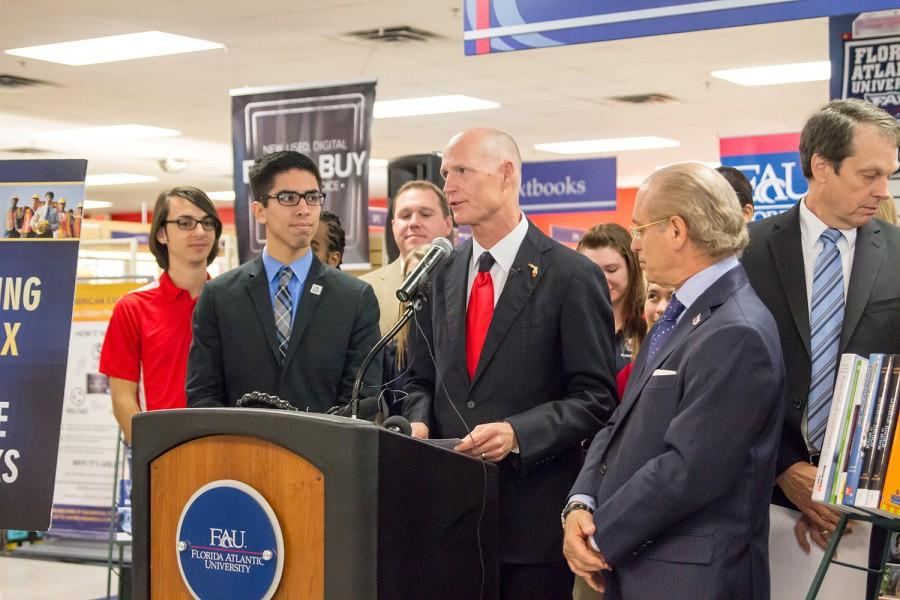 Florida+Governor+Rick+Scott+addresses+the+public+in+FAU%E2%80%99s+bookstore+on+Feb.+12+about+eliminating+sales+tax+on+college+textbooks.+Idalis+Streat+%7C+Contributing+Photographer%0A