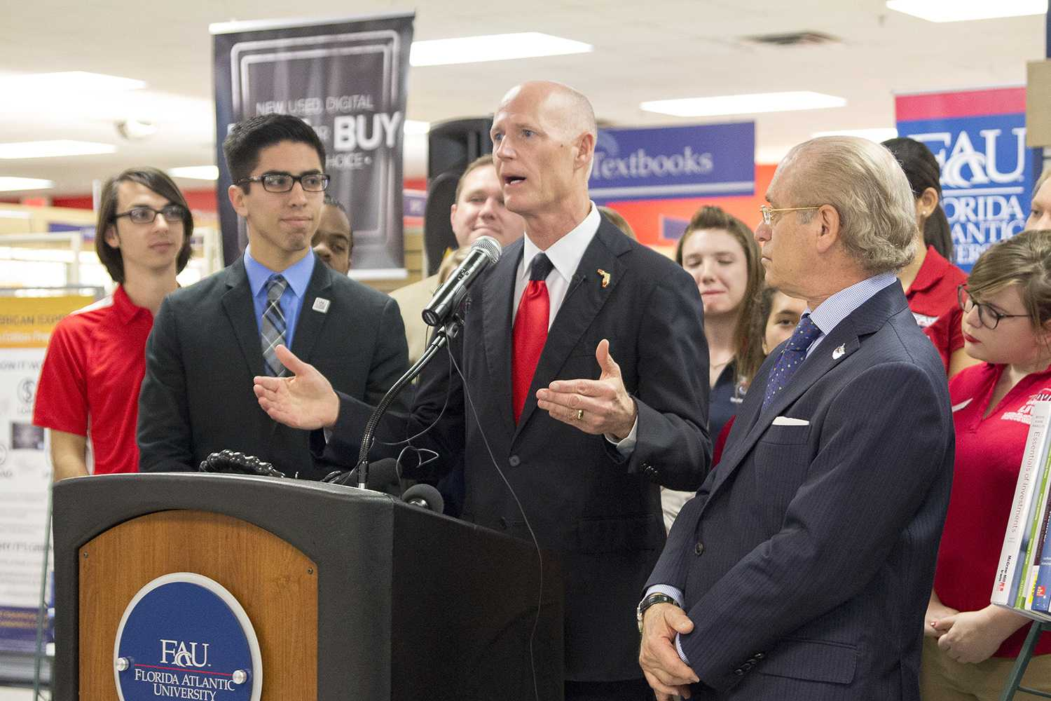 Florida Gov. Rick Scott visited the FAU Boca campus on Feb. 12, 2015. Idalis Streat | Contributing Photographer