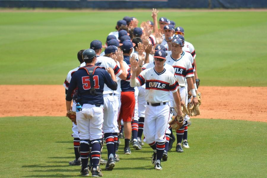 FAU+players+celebrate++after+a+win+vs+Old+Dominion+on+April+26.+The+Owls+beat+ODU+6-4+during+the+tournament.+Photo+by+Michelle+Friswell+%7C+Associate+Editor+