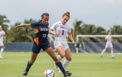 Women's Soccer: Owls earn first conference win of season