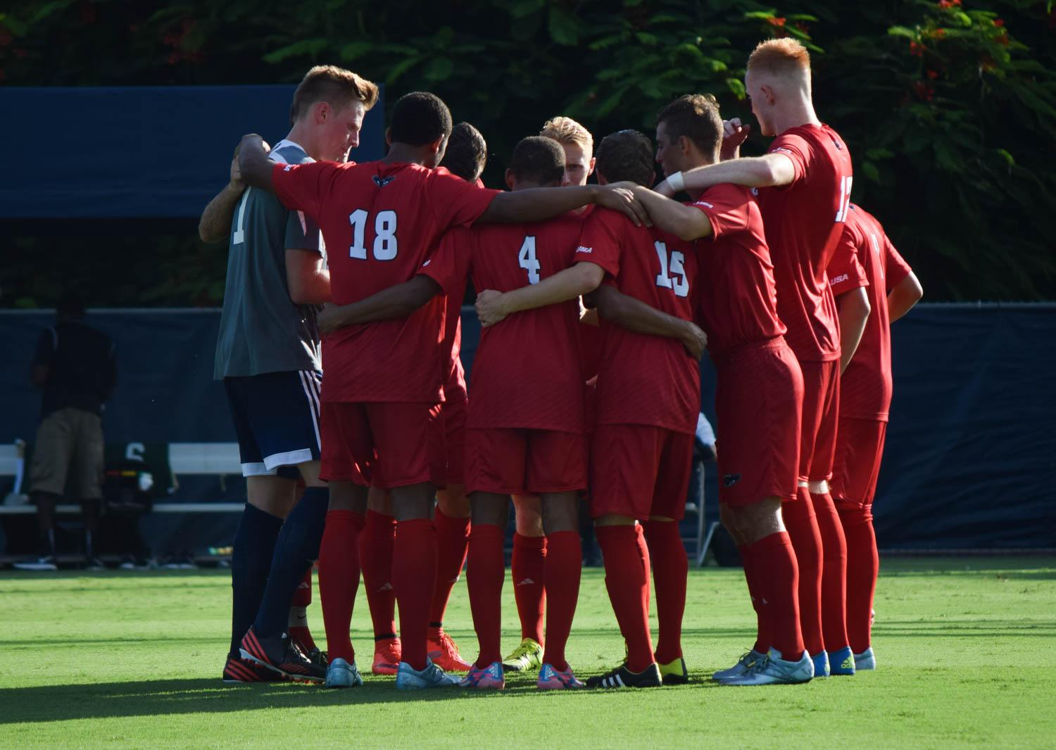 The Mem's Soccer team gathers during their game versus Jacksonville this year. The Owls were unable to gain their first win of the season this weekend, falling to both NIU and Loyola-Chicago. Ryan Lynch|Sports Editor