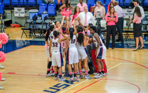 Women's basketball huddles up before their 67-65 loss to Southern Miss on Feb. 14 of last season. Mohammed F. Emran | Asst. Creative Director