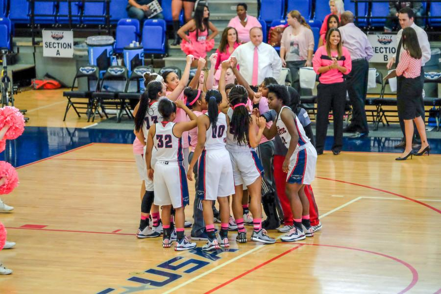 Women%27s+basketball+huddles+up+before+their+67-65+loss+to+Southern+Miss+on+Feb.+14+of+last+season.+Mohammed+F.+Emran+%7C+Asst.+Creative+Director