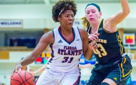 Women's Basketball: Owls win third straight 71-67 versus Milwaukee