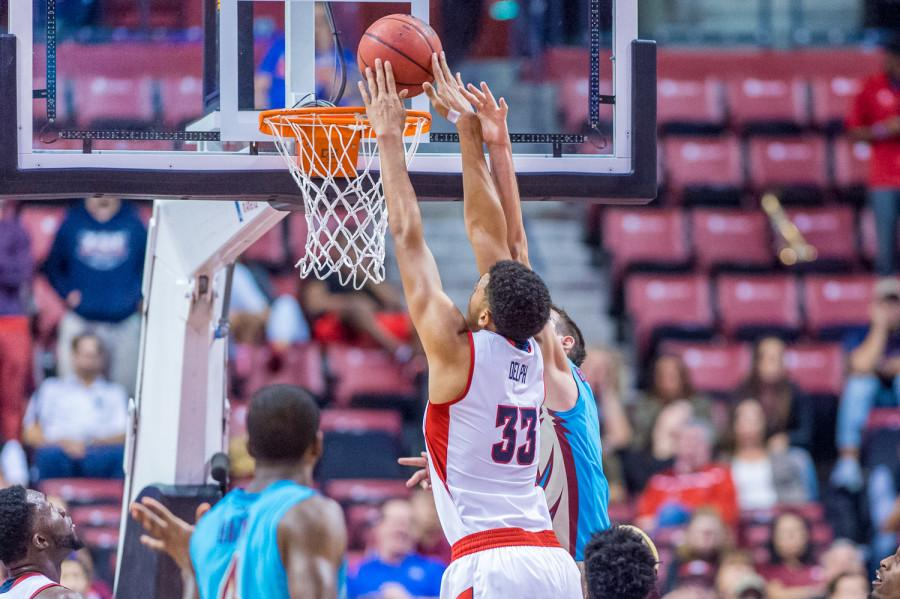 Sophomore center Ronald Delph dunks during the Owls 64-59 loss to Florida State in the MetroPCS Orange Bowl Classic on Dec. 19. Max Jackson   Staff Photographer