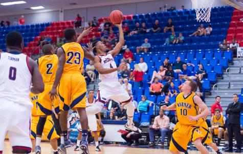 Sophomore Justin Massey scored 12 points in the Owls win over FIU on Saturday. Max Jackson | Staff Photographer