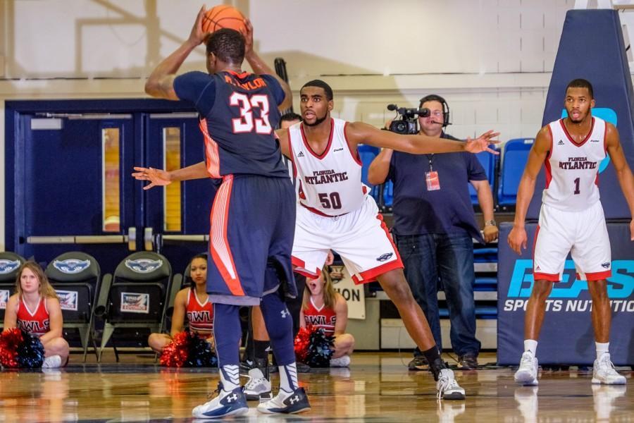 UPWEB_ Men's Basketball vs UT-Martin_ Mohammed F Emran-6185