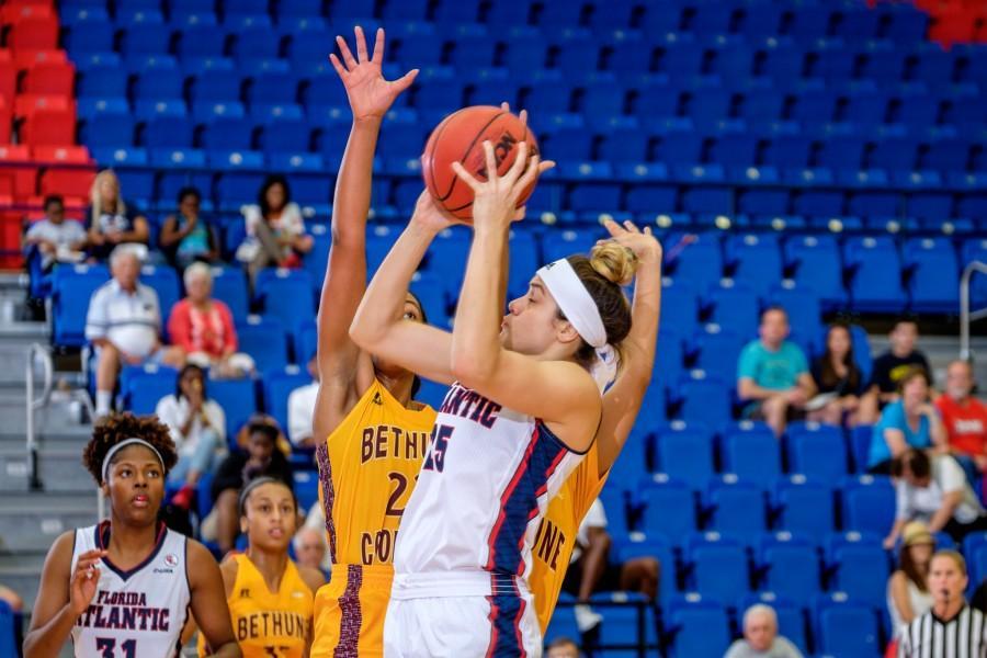 UPWEB_ Women's Basketball vs Bethune Cookman 2015_ Mohammed F Emran-6359