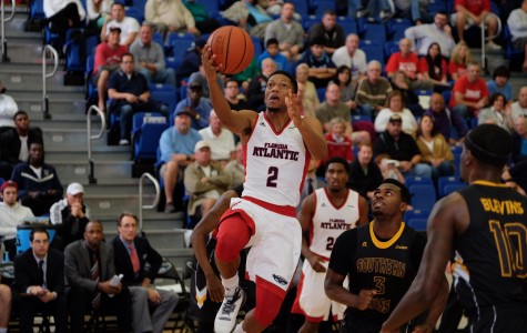 Men's Basketball: Owls snap nine game losing streak against Southern Miss