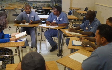 FAU Students Exchange Writings with Local Correctional Institution