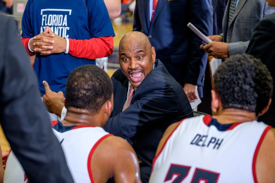 Head+coach+Michael+Curry+talks+to+his+team+during+the+Owls%27+89-82+loss+to+UTEP+on+Feb.+13.+Mohammed+F+Emran+%7C+Staff+Photographer