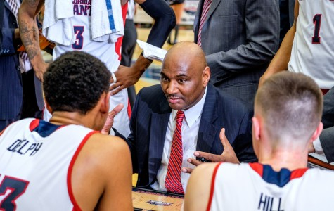 Head coach Michael Curry shares his plan of attack to FAU players during the Owls' 78-66 loss to Old Dominion on Jan. 28. Mohammed F. Emran   Staff Photographer